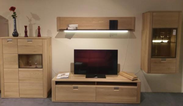 Wohnwandprogramm aus Modell Valenza von Decker